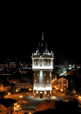 Drobeta-Turnu Severin, Rumania: Drobeta Water castle night