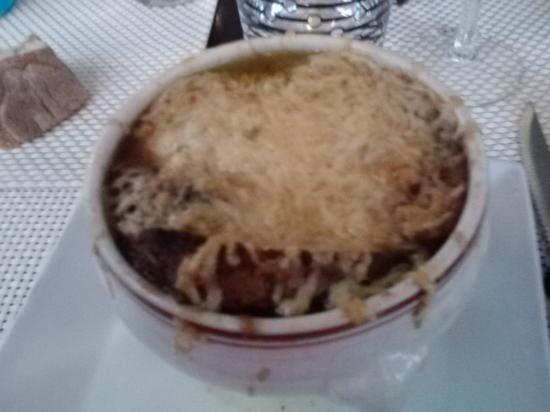 Le Coin des Amis: cheesy covered onion soup