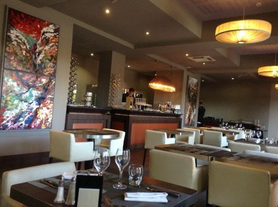 Restaurant L'Hibiscus: decor simple d'une propreté irreprochable.