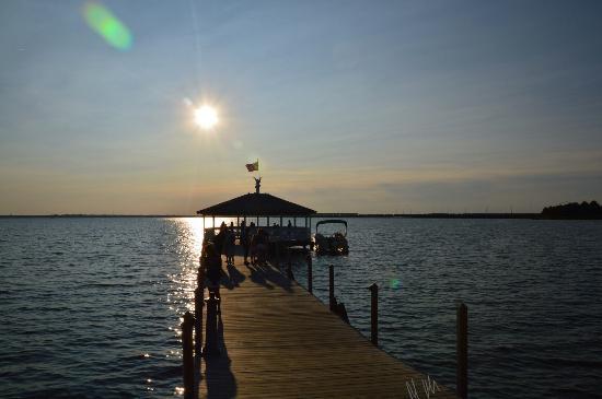 Fager's Island Restaurant & Bar : Sunset