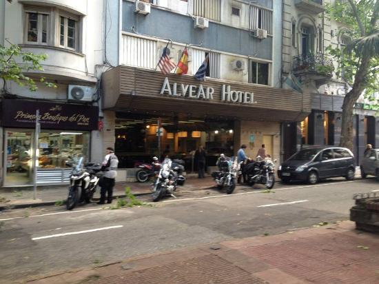 Alvear: Entrada do hotel