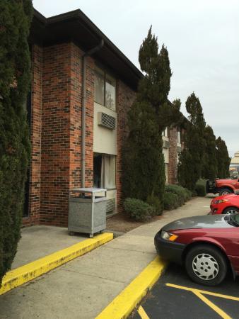 Best Western Shepherdsville : Exterior of hotel