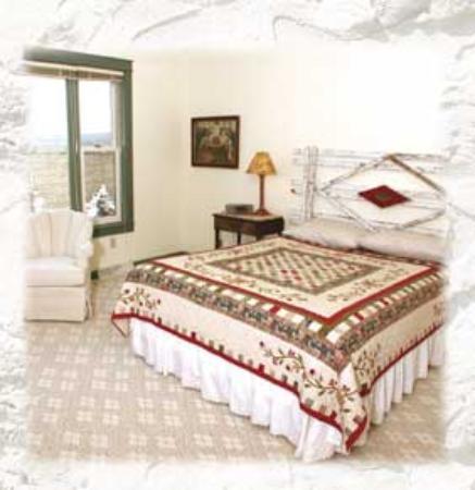 Egg Harbor, WI: Mettie Rose Suite bedroom