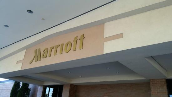 Columbus Airport Marriott: Marriott entrance
