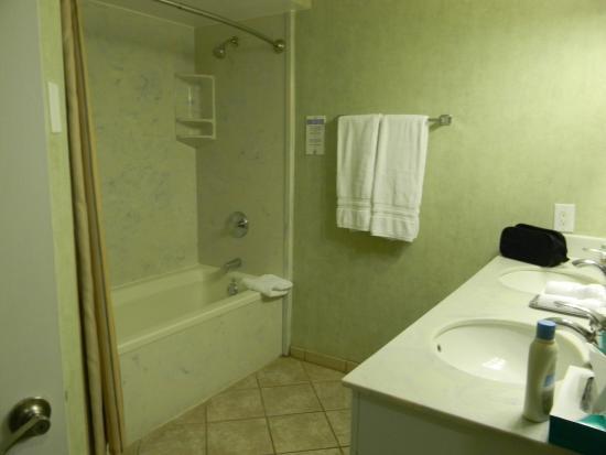 Bryan's Spanish Cove: Master Bathroom