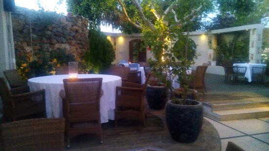 Εστιατόριo BOTONIS