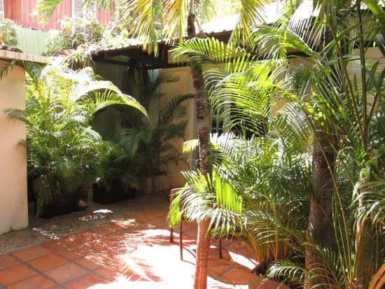Villa Srey: sortie devant la chambre trés agréable