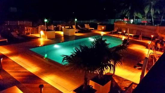 The Kiddie pool at night, Hilton Cabana - Picture of Hilton Cabana Miami  Beach - Tripadvisor