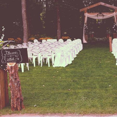 Timber House Resort : Elegant Ceremony in the Woods