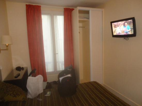 Modern Hotel Montmartre: Quarto casal pequeno nº 504