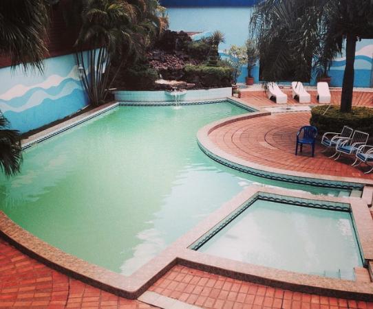 Carnaval hotel casino desde encarnacion for Hotel luxsur encarnacion