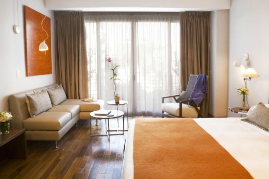 팔로 산토 호텔