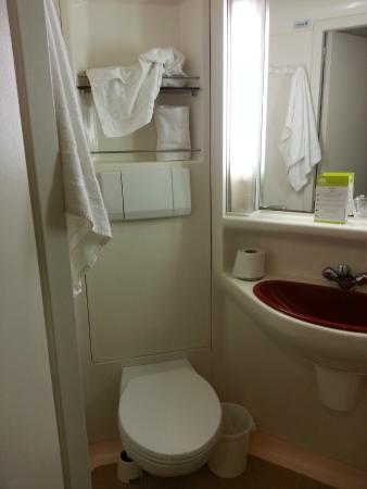Hotel Le Grillon : Ванная
