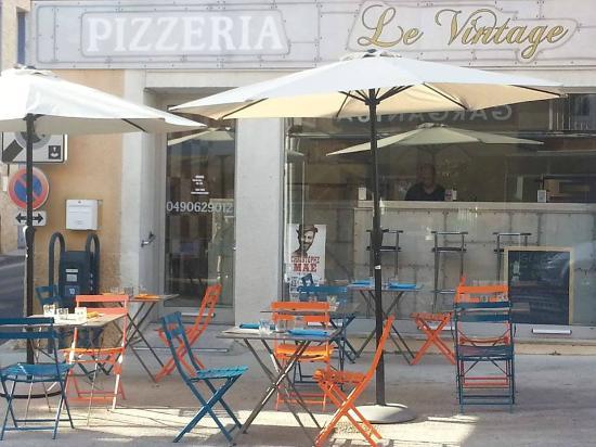 Le Vintage La Terrasse Picture Of Pizzeria Le Vintage Vaison La