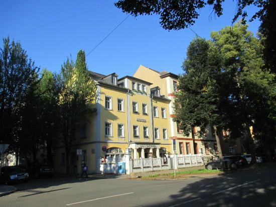 Alt Weimar Hotel : exterior of the hotel