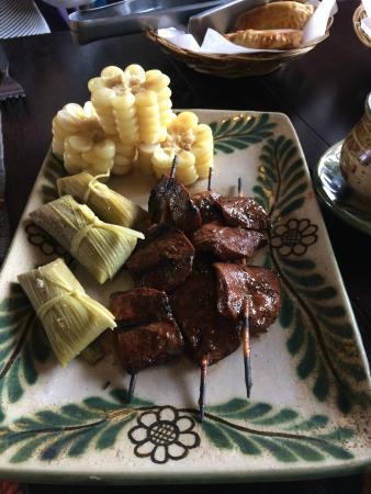 Wayra : Anticuchos, corn and tamals