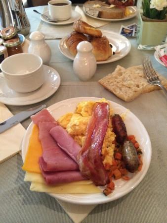 Hotel Manos Stéphanie: Breakfast