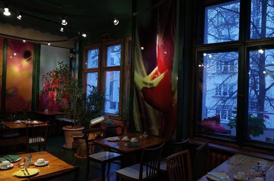 Propeller Island City Lodge: Salão do café da manhã