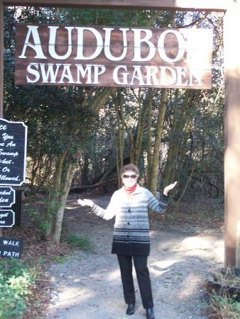 Audubon Swamp Garden: Entrance!