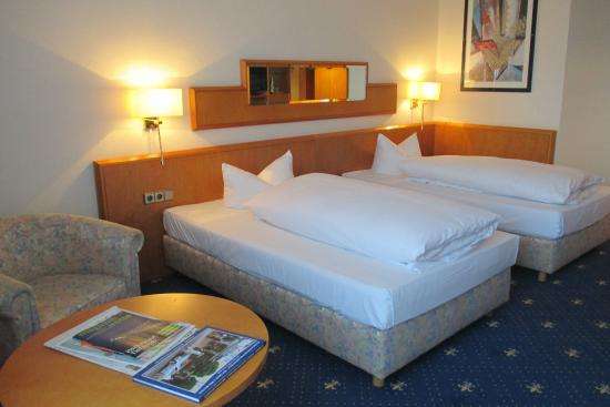 جراند لا سترادا كاسيلز فيلسيتيج هوتلويت: room with 2 twin beds