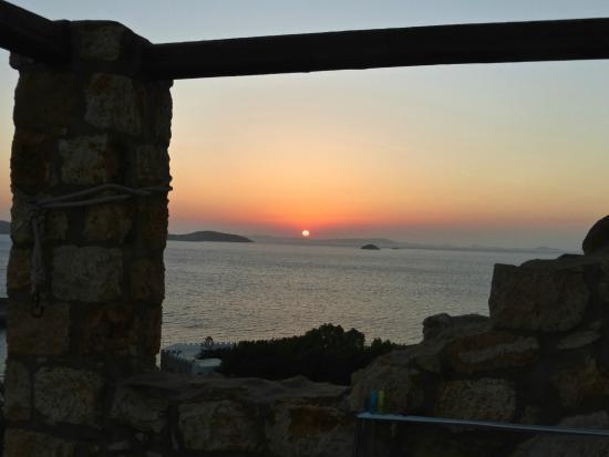Eirini Luxury Hotel Villas : tramonto