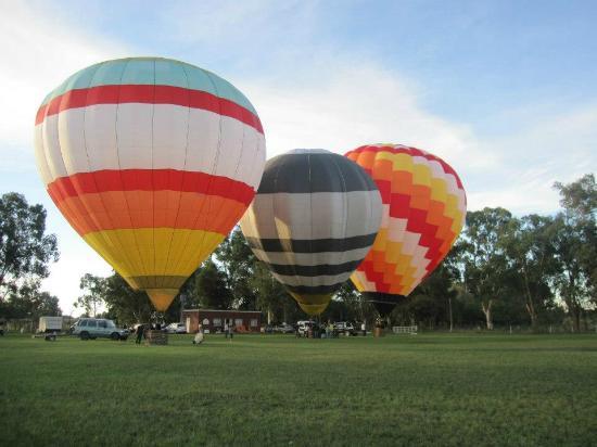 Pampa Balloons Tour