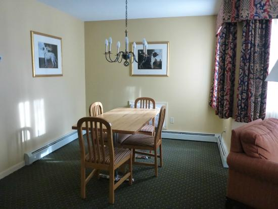 Best Western Inn & Suites Rutland-Killington: Dining room