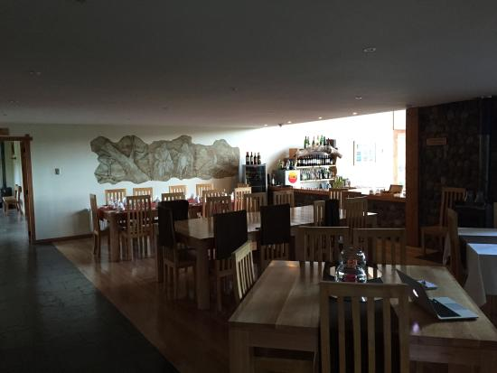 Coyhaique River Lodge: Dinner is family style seating and first class