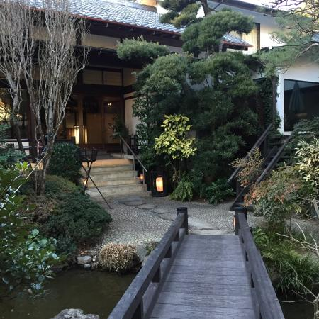 Jinya : The entry to the ryokan
