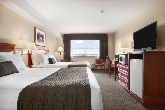 Days Inn & Suites - Langley: Standard Two Queen Bed Room