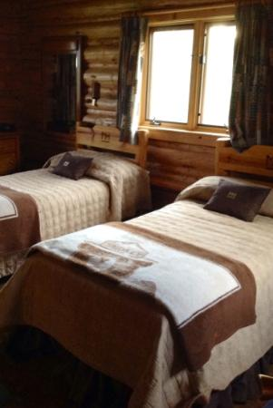Moose Head Ranch: Cozy accomodations in every cabin.