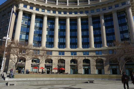 United States Navy Memorial and Naval Heritage Center: US Navy Memorial in Washington