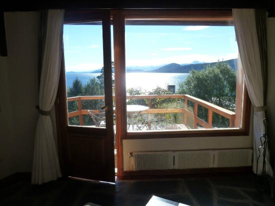 La Sirenuse Lake Resort: La vista de la habitacion con balcon al lago