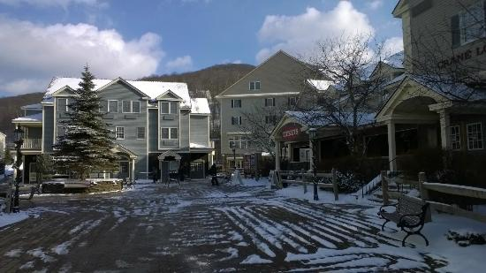 Hancock, MA: Ski Village