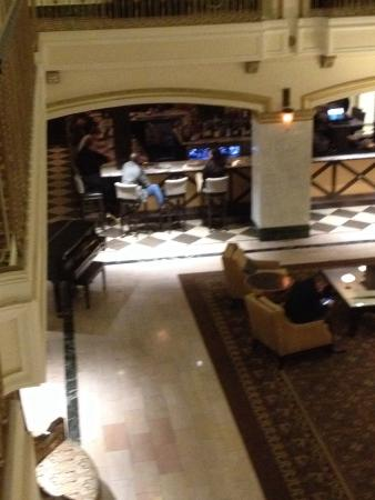 Hotel Blackhawk, Autograph Collection: View of bar area from second floor. Just off the lobby, great place for a quick meal and to watc