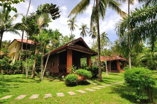 Entrance - Baan Mai Beachfront Lone Island: Garden Seaview