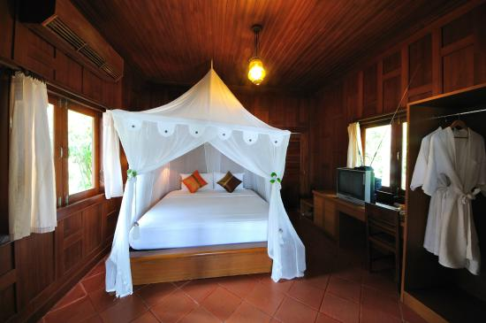 Baan Mai Cottages: Deluxe Beachfront