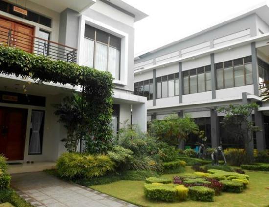 Griya Persada Convention Hotel & Resort: villa style