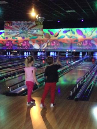 Wyncity Bowl & Entertainment