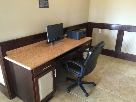 Weslaco, TX: Business center
