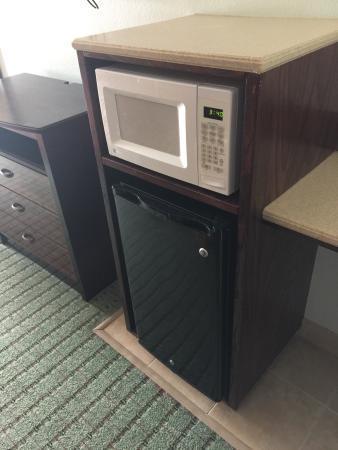 Weslaco, TX: Micro/fridge