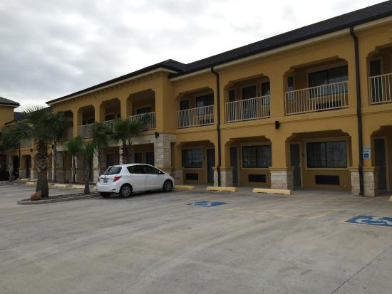 Weslaco, TX: Hotel exterior