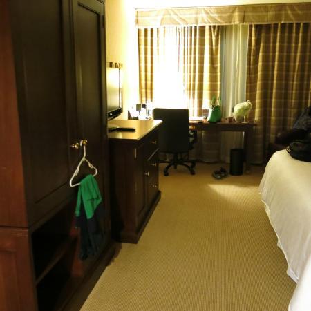 Sheraton Sioux Falls & Convention Center: Wardrobe