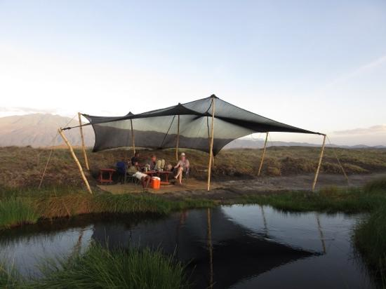 Ngare Sero - Lake Natron Camp: sundowner