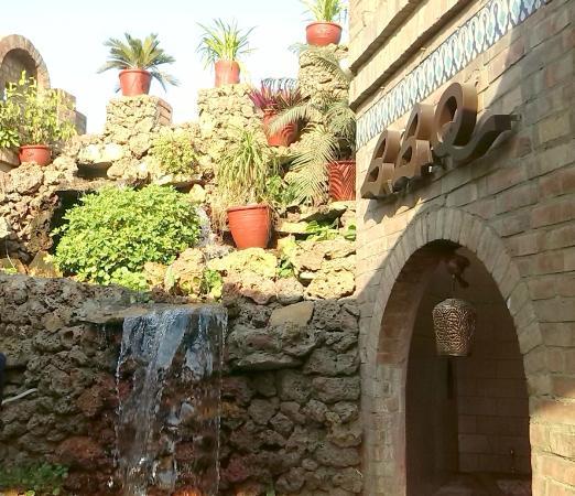 Lal Qilla: Pottery