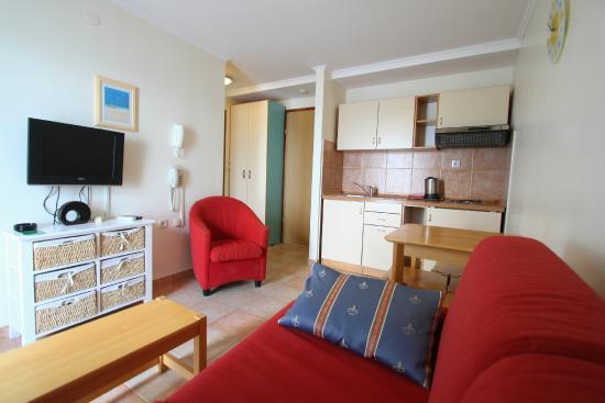 Aparthotel Castrum Novum : Standard seaside apartment