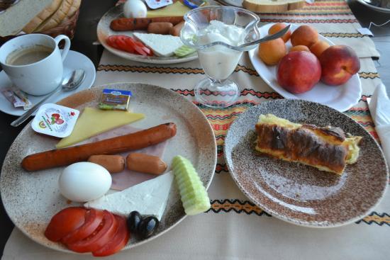 Hotel Gurko: Bulgarian breakfast