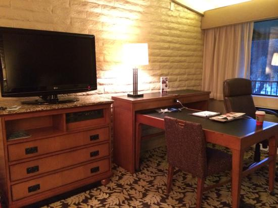 Sycuan Golf Resort: Generous desk/table set up and flat screened TV.
