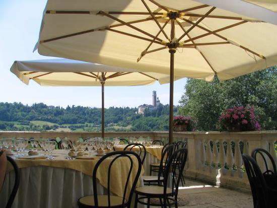 Matrimonio sulla terrazza della villa - Foto di Villa Valmarana ai ...