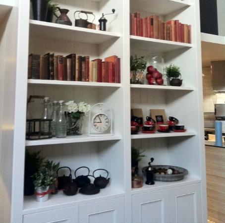 The Roasted Berry Beautiful Bookshelf
